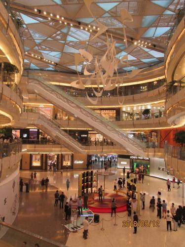上海の国金中心二期・オープン・国金中心商場変更なし・陸家嘴