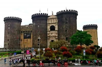 イタリアの旅 10 (ナポリ、ポンペイ バスツアーその1)