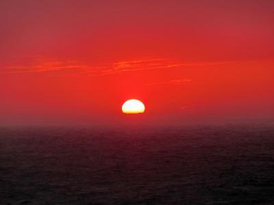 終日航海・夕陽 ダイヤモンド・プリンセス ぐるり北海道周遊と知床クルージング・サハリン9日間