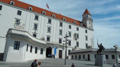 2018GWなのに夏休みのようだったハンガリー&オーストリア旅行(その6)「アナザー・スカイ」を見て行きたかったブラチスラバ