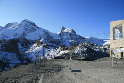 ヨーローパアルプス最高所の展望台、クライン・マッターホルン(3883m)からマッターホルンやモンブランをはじめとするアルプスの名峰を楽しむ