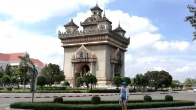 【ビエンチャン】ラオスを南下するか。。Friendship Bridge を渡ってタイに入るかの分かれ道。