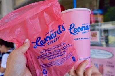 2017 気の合う友人とハワイへ 気楽なゆるーい女子二人旅 2日目  レナーズのマラサダに始まり、ランチはチーズケーキファクトリーでハプニング!!ディナーは話題の「マヒナ&サンズ」でまったり満喫。