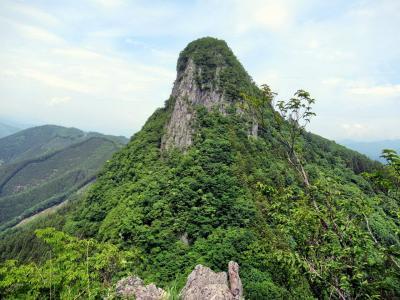 スリルと展望の奇峰・二子山