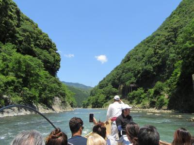 新緑の京都を訪ねて その4 トロッコ列車と保津川下り