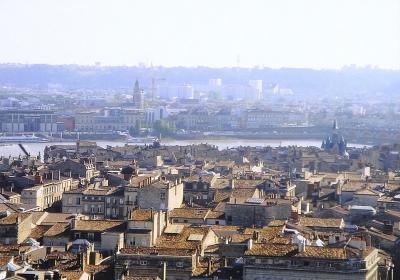 ワインと美食の街ボルドーでクラシカルな雰囲気を堪能ちょこっとパリ