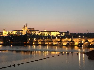 マイレージで行く、春の中欧を巡る旅(2)世界で最も美しい街の一つと讃えられるプラハを歩いてみた