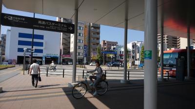 高知へ移動。まずは、はりまや橋へ行って、高知城へ行く前に、ひろめ市場で腹ごしらえです。