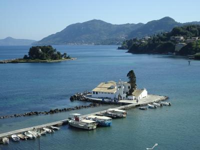 バルカン半島鉄道の旅、その9(ギリシャ・海に浮かぶ教会と世界遺産の街ケルキラ)
