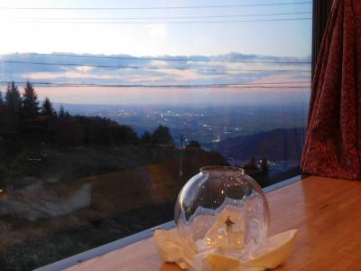 津軽平野の夜景を臨むホテル(2017初秋・津軽の旅 その2)