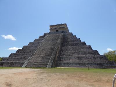 メリダからのマヤ遺跡探訪とカンクンでのリゾート
