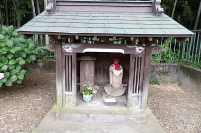 当麻山公園入口横の庚申堂
