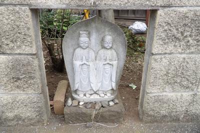 畑ヶ中の石碑と道祖神
