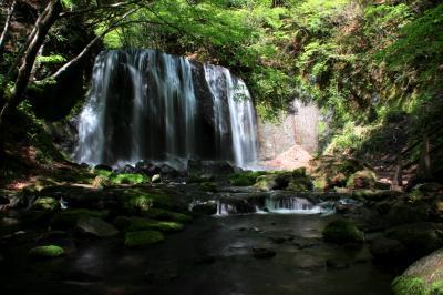 ◆磐梯吾妻・残雪の鎌沼~虹の達沢不動滝