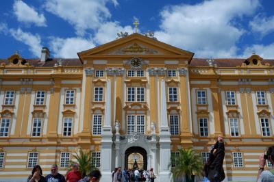 3世代でサウンドオブミュージックゆかりの地ザルツカンマーグート&ウィーンを巡る♪(2)想像以上に素晴らしいメルク修道院と素敵なカフェ