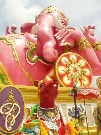 ガネーシャ神詣でを主に 2泊4日安売りツアーに便乗して