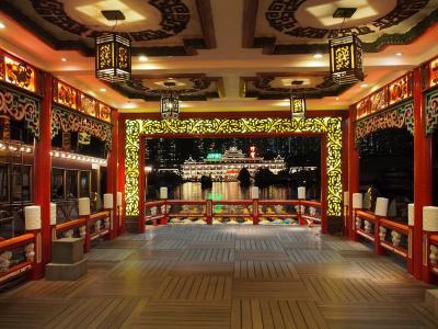 ゆるく楽しむ、ふらっと香港2泊3日の旅【2日目後編:ビクトリアピークとアバディーン二大夜景スポット鑑賞 + オープントップバスで ナイトドライブツアー】