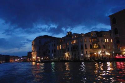 2018.05 GWに巡るイタリア三都物語(10)ヴァポレットで巡る水の都・夜のヴェネツィア