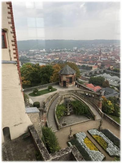 久しぶりの一人旅はイタリア・番外編(インスブルック~ミュンヘン~ヴュルツブルク)9月27日(水)いよいよ最終訪問地へ移動・でも、その前にオクトーバーフェストを楽しみました~(^^)