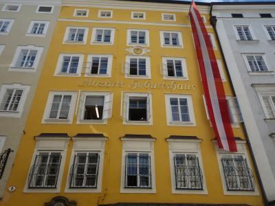 ザルツブルクはモーツアルトの町。生家に住居にチョコレートに。偉大なるモーツアルト。