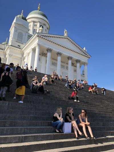 初めてのフィンランド 青空と初夏の陽射しに輝くヘルシンキ