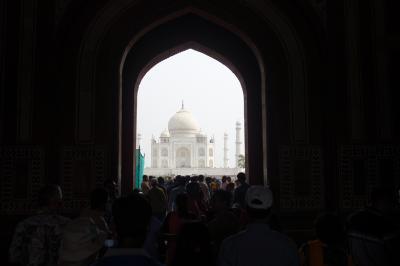 ムガル帝国と本場カレーを求めて インドへ GO !!  (前編)