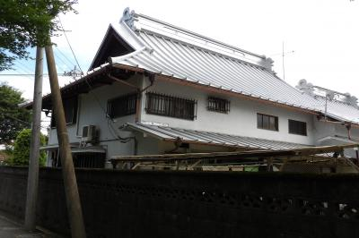 元橋本町の大山街道に面したお宅