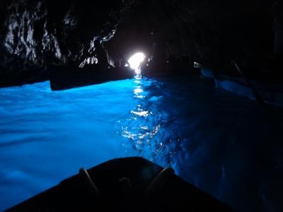 念願の地中海クルーズ(3)・カプリ島の青の洞窟へ
