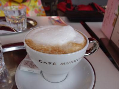 さっそく,カフェ・ムゼウムでひとやすみ。これから二日間で何軒のカフェにいけるでしょうか。
