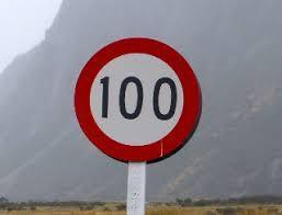 ニュージーランドの一般道での制限速度は時速100kmは、当たり前、日本の高速道路より早い。
