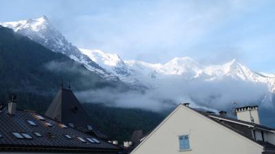 5年連続フランス2018年夏 その3 シャモニーモンブランへ 部屋から見える山に感動 でも…/ Moving to Chamonix-Mont Blanc. Impressed by a great mountain view from hotel room but...