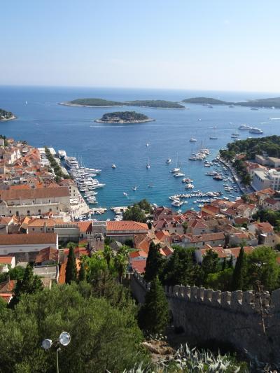 アドリア海の美しい街、ぐるっと満喫⑥フヴァールは洗練された美しい港町!