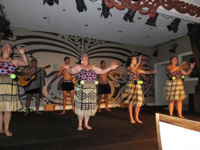ニュージーランド旅行・マオリハンギディナー
