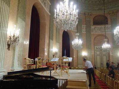 Vienna Residence Orchestra を聴く。正直言って,落第点です。