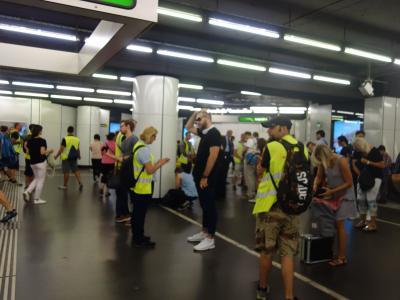 U-バーン,Schwedenplatz駅で地下鉄の検札を見た。やっているものですね。