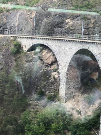 ツアーで行く初心者のスイス④~氷河特急にてランドヴァッサー橋へ