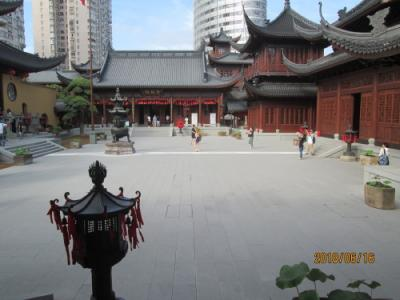 上海の玉佛寺・大雄宝殿移動