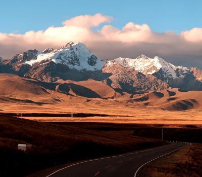 団塊夫婦5回目の世界一周絶景の旅―ペルー編(1)長距離バスでトレッキングの基地ワラスへ