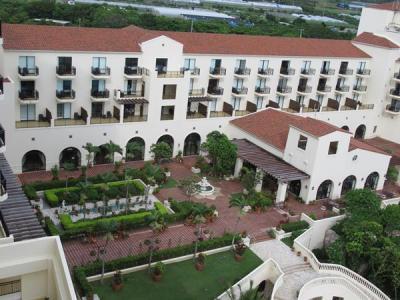 夏リゾート沖縄(3)ホテル日航アリビラへ。那覇空港から新しい西海岸道路を通って