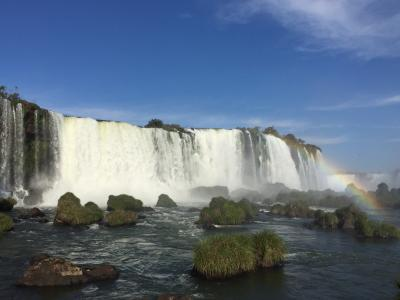 うなるような水のとどろき!イグアスの滝