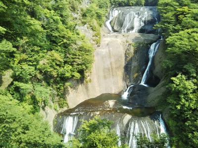 友人と一緒にプチ旅行。日本三名瀑の一つ袋田の滝へ。ケーキも食べ放題の水戸の「マンジャーレ」で食べ放題の夕食