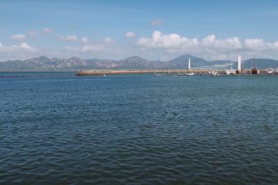 深圳南山区1★ますますオシャレになった海上世界一帯 そして対岸の香港を眺める ~海上世界・女蝸補天彫像・海上世界文化芸術中心・COSTA COFFEE~