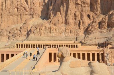 5つ星ナイル川クルーズで巡る感動のエジプト8日間:(その2)ルクソール西岸・王家の谷観光