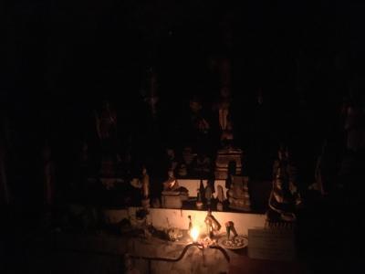 ラオス(5)疾走漆黒…洞窟へ/ルアンパバーン