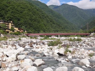 ドローン持参で長野で車中泊 (6/8)こまくさ橋を渡った先のアウトドア体験広場、駒ヶ岳へ向かう人々