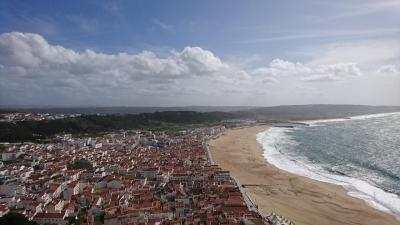 ポルトガル 海沿いのナザレという街