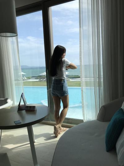 ネックさん 1  Veranda Resort Pattaya MGallery by Sofitelへ