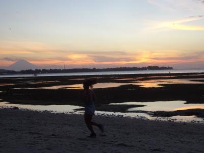 ロンボク バンサル港の抜け方 ギリ アイル(AIR island)の夕陽 マタラム カルフール