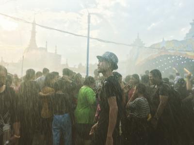 真夏のミャンマー水かけ祭り体験 in ヤンゴン