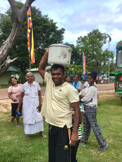 日帰りポロンナルワ、お詣りの人々とスリランカのピクニック弁当に舌鼓 -2017-18年 年越しスリランカ&インド周遊(5)